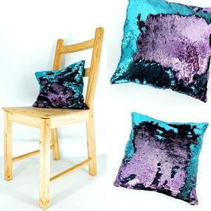 MAGICAL color-changing sequin pillow